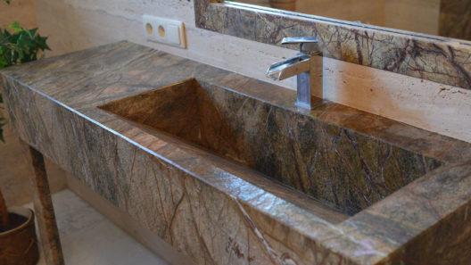 zlew łazienkowy z kamienia
